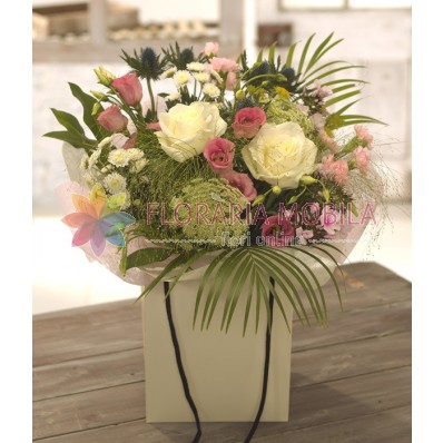 aranjament trandafiri lisianthus