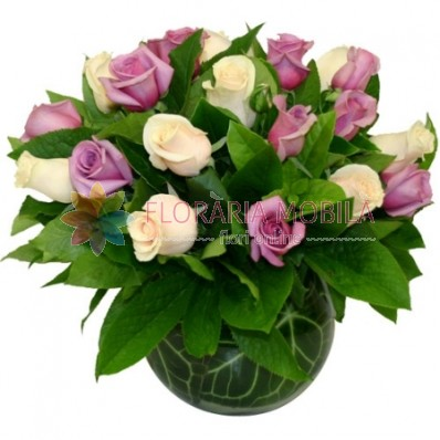aranjament 23 trandafiri