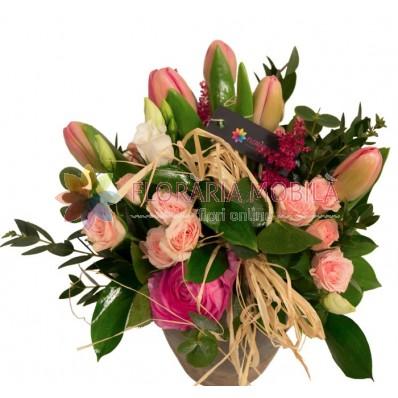 aranjament floral de primavara