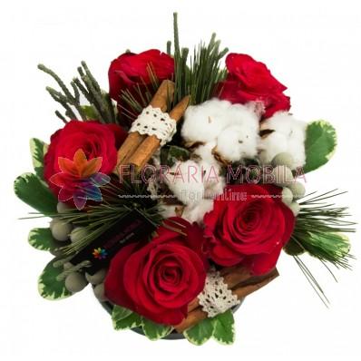 Red Christmas aranjament de flori de iarna