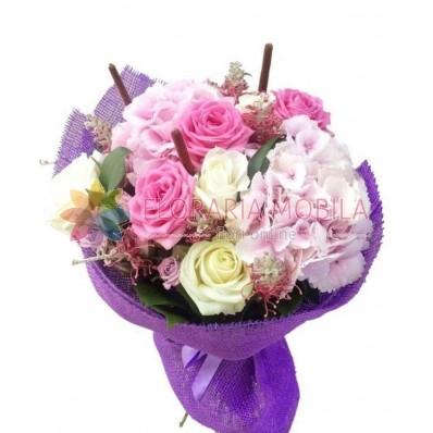 buchete din hortensie si trandafiri
