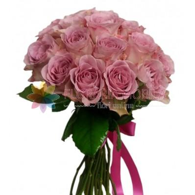 buchet 21 trandafiri mov