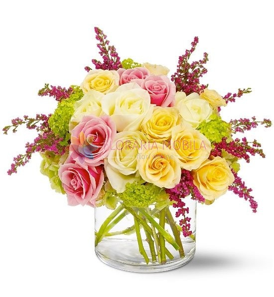 Aranjament Trandafiri Si Astilbe La 355 Lei Floraria Mobila