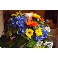aranjamente masa din hortensie si crizanteme