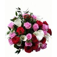 buchet elegant din cale si trandafiri