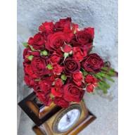 buchete de mireasa din trandafirasi rosii