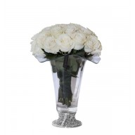 Trandafiri in vaza cu picior argintat Rose