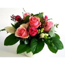 Aranjament din lalele si trandafiri