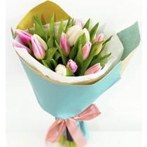 simplicity flowers buchet 17 lalele