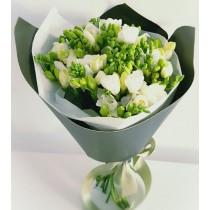 simplicity flowers buchet frezii