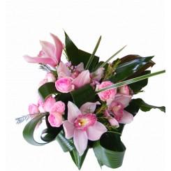 aranjamente florale cu cymbidium si trandafiri