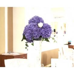 aranjament masa din hortensie
