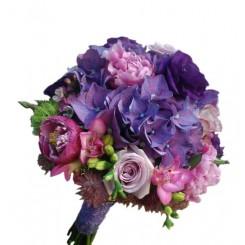 buchete de mireasa din hortensie, frezii, trandafiri si bujori