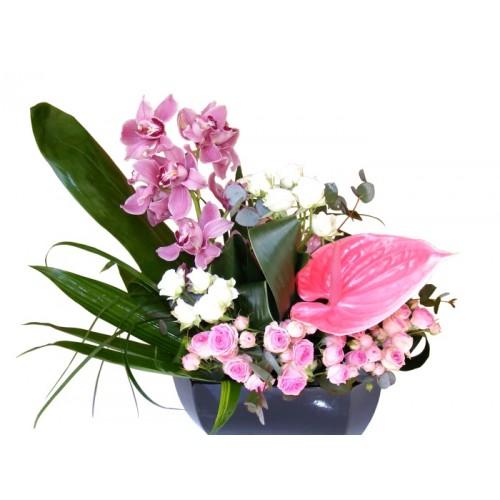 aranjamente florale din orhidee si trandafiri