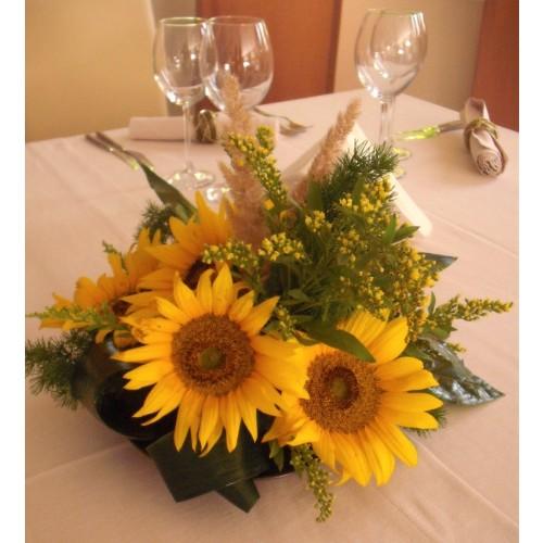 aranjament masa din floarea soarelui