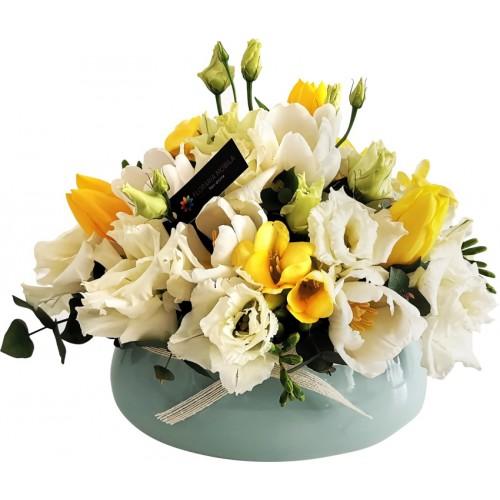 aranjament flori de primavara