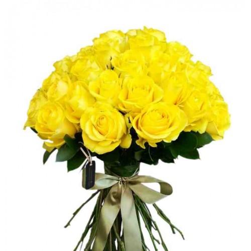 buchet din  trandafiri galbeni