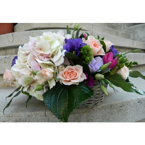 cosuri din hortensie, mini  trandafiri si lisianthus