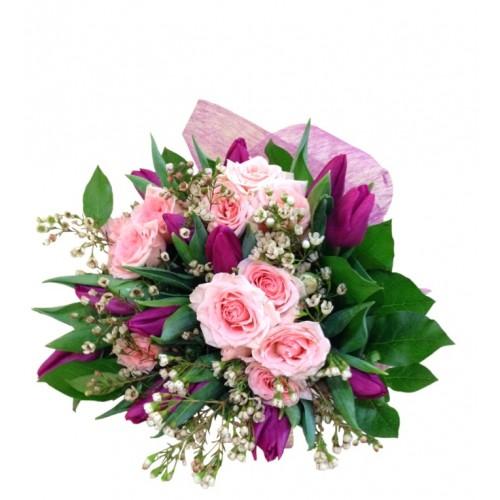 buchet mini trandafiri si lalele