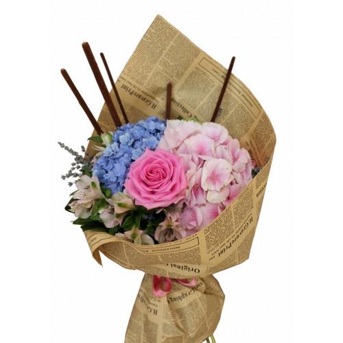 buchet hortensie, trandafiri si alstroemeria